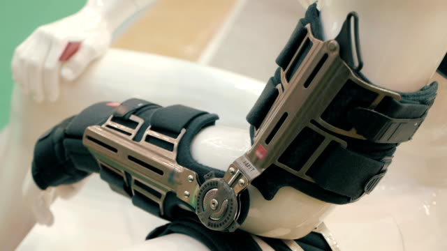 modern reusable analog of the gypsum bandage with the ability to adjust - sports medicine stock videos and b-roll footage