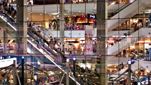 現代購物中心 - 大 個影片檔及 b 捲影像