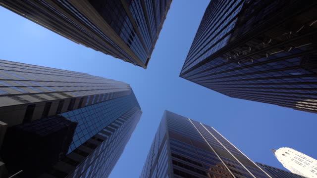 ws la moderne wolkenkratzer in lower manhattan / new york city, usa - establishing shot stock-videos und b-roll-filmmaterial