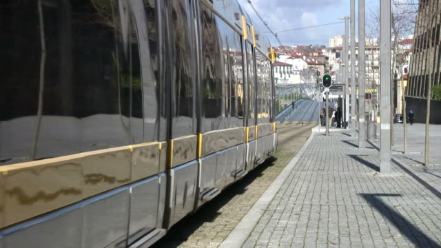 nowoczesny pociąg - intercity filmów i materiałów b-roll