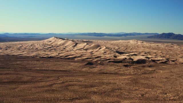 vídeos de stock e filmes b-roll de mojave desert in california aerial view - parque nacional do vale da morte