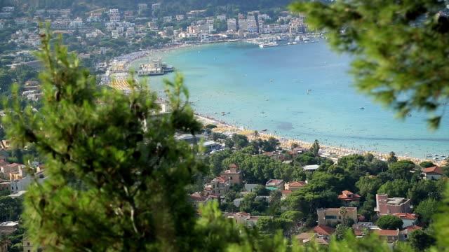 spiaggia di mondello areal vista - palermo città video stock e b–roll