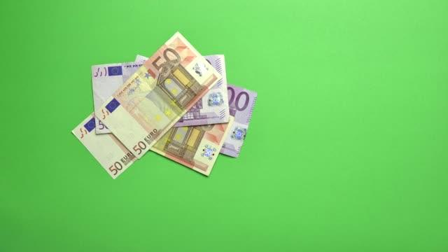 money euro increase - valuta dell'unione europea video stock e b–roll