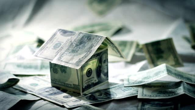 Maison argent Dollar Bill Architecture Concept d'argent banque loyer Estate Commerce carte de crédit idées House maison argent papier léger - Vidéo
