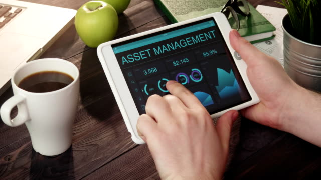 Monitoring asset management data using tablet computer