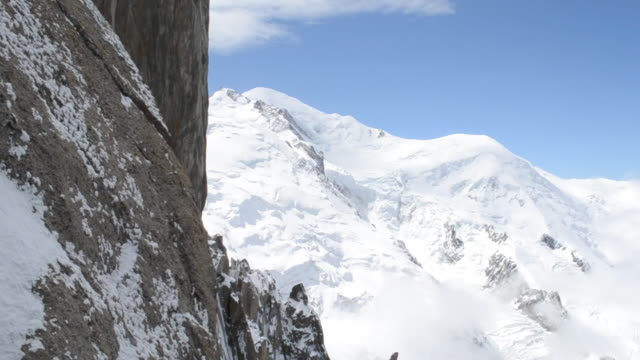 mont blanc e aiguille verte - monte bianco video stock e b–roll