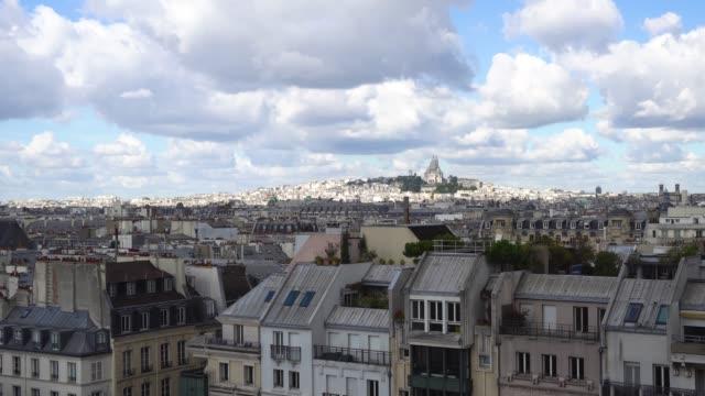 mont matre hill, paris, frankrike - montmatre utsikt bildbanksvideor och videomaterial från bakom kulisserna