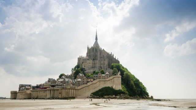 Mont Saint Michel time-lapse video