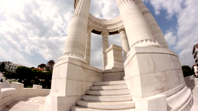 monument to the slain of World War I video