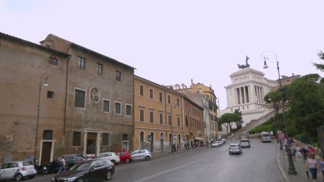 vídeos y material grabado en eventos de stock de monumento a la vista lateral de víctor emmanuel ii. instituto de investigación roma, italia - aleación