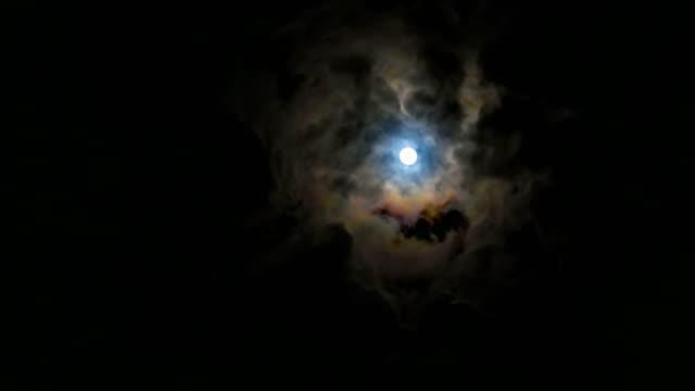moon and cloudy sky in night - spazio e astronomia video stock e b–roll