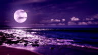 istock Moon and sea 477072347