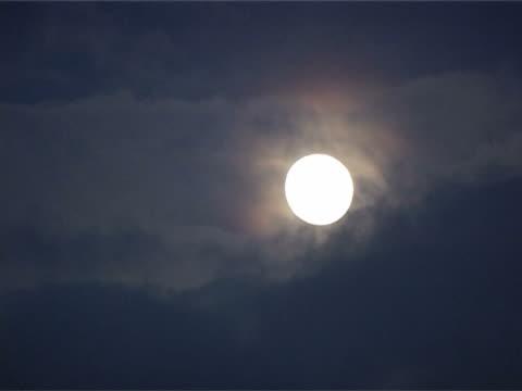 vídeos y material grabado en eventos de stock de moon timelapse - espacio y astronomía
