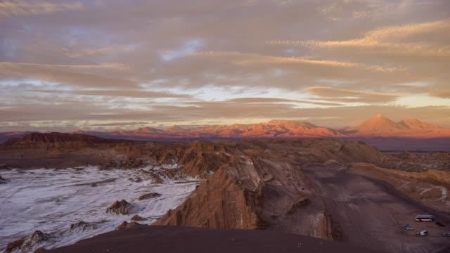 stockvideo's en b-roll-footage met moon valley, atacama - maasvallei