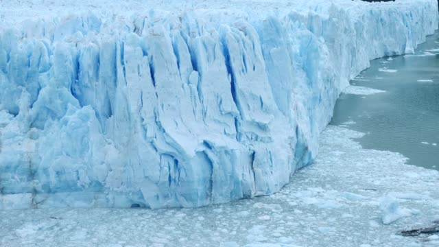 Moreno Glacier calving