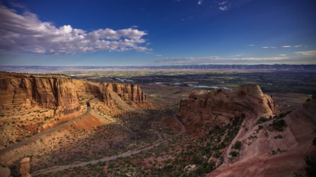 morning in colorado national monument - time lapse - red rock video stock e b–roll