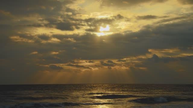 朝の海 ビデオ