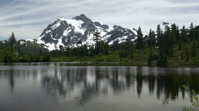 morning shot of mt shuksan and picture lake