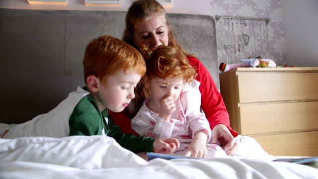 Morning Stories With Mum video