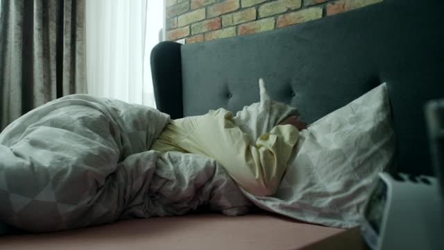 mattina  - sonnecchiare video stock e b–roll