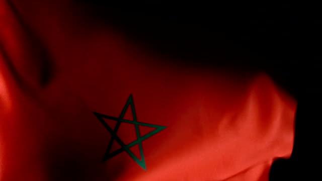 vídeos de stock e filmes b-roll de morocco flag flapping - portugal map