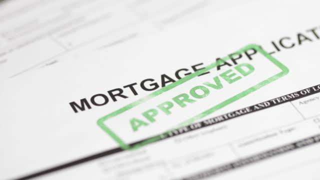 vídeos y material grabado en eventos de stock de solicitud de hipoteca - 4k - hipotecas y préstamos