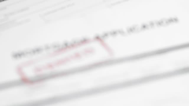 mortgage application - 4k - negacja filmów i materiałów b-roll