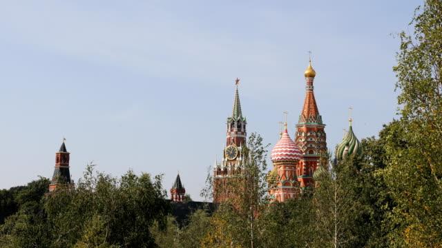 kreml och saint basil cathedral - vasilijkatedralen bildbanksvideor och videomaterial från bakom kulisserna