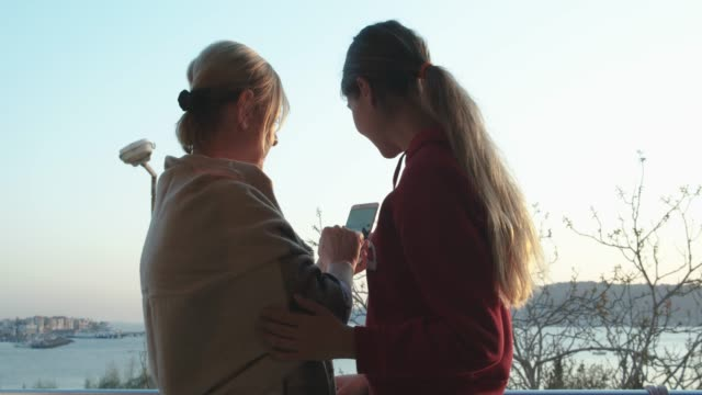 Mother with young daughter receive unexpected happy news