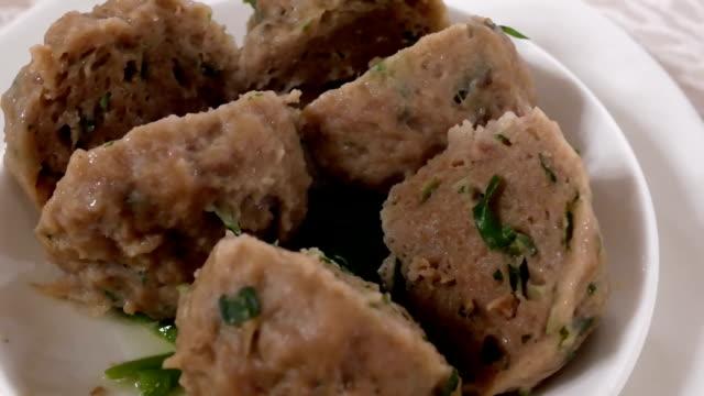Bewegung von Dim Sum und Sauce auf dem Tisch in chinesischen Restaurant – Video