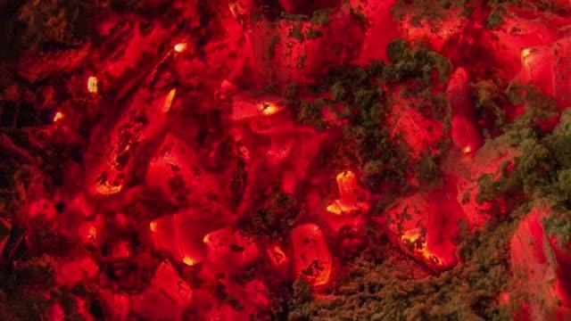 バーベキュー石炭のモーションショット - 石炭点の映像素材/bロール