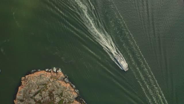 motor båt i göteborgs skärgårds flyg över vatten - bohuslän nature bildbanksvideor och videomaterial från bakom kulisserna