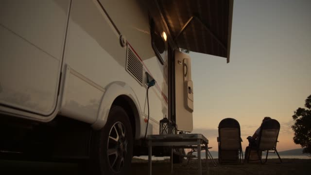 vidéos et rushes de vacances camping camping camping. - camping