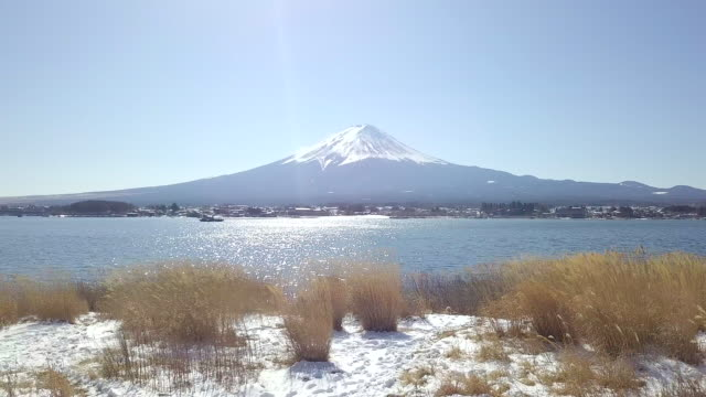 冬の富士山は雪が積もる日本 - 富士山点の映像素材/bロール