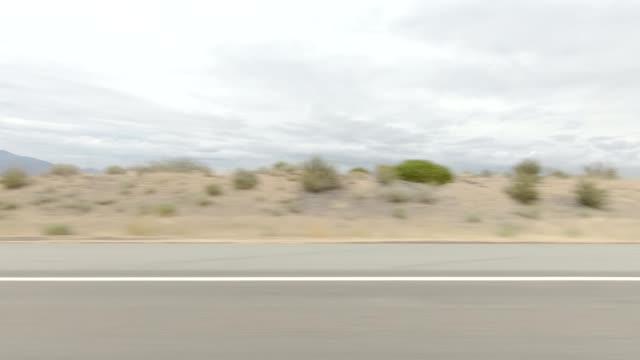 mount shasta xviii synchronisierte serie linke ansicht fahrprozessplatte - grasland stock-videos und b-roll-filmmaterial