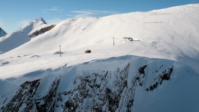 berg och ski slope i wengen, schweiz - wengen bildbanksvideor och videomaterial från bakom kulisserna