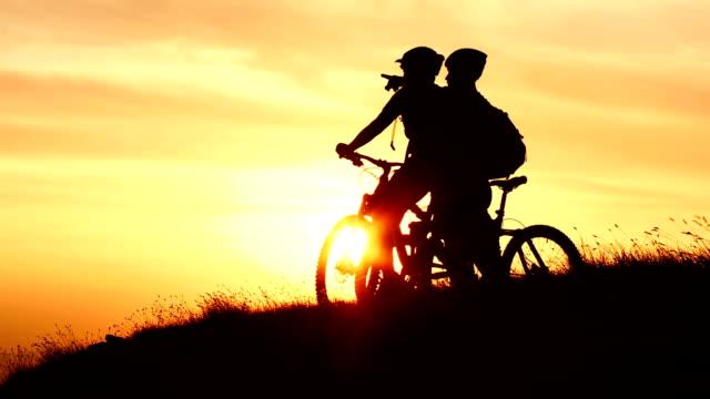 HD CRANE: Mountain Bikers Enjoying The View video
