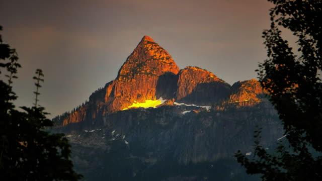 4K Mountain Peak Time-lapse Sunset Zoom, Squamish, Vancouver, British Columbia video