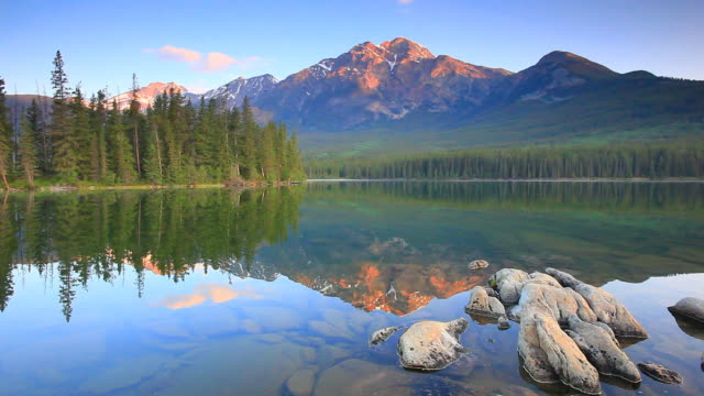mountain reflection in lake - canada travel stock videos and b-roll footage