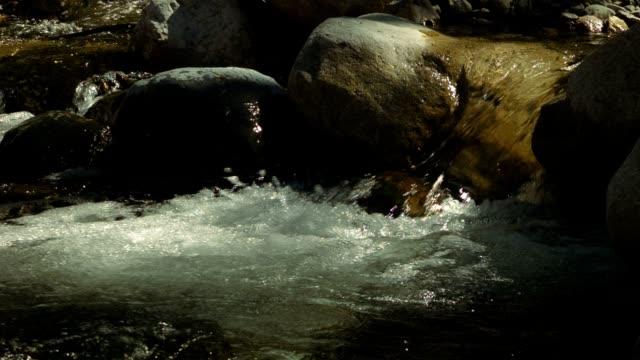 fiume di montagna  - brent video stock e b–roll