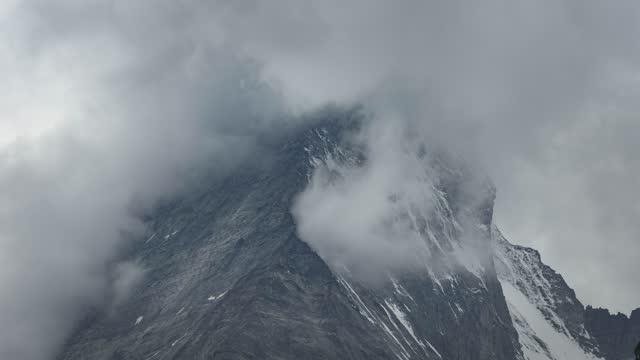 горный таймлапс альп - маттерхорн стоковые видео и кадры b-roll