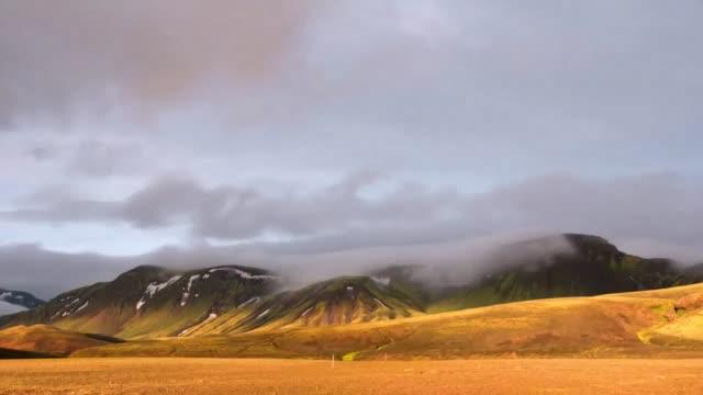mountains clouds fog mist desert - oman video stock e b–roll