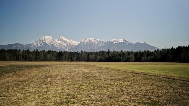 スロベニアの山 - スロベニア点の映像素材/bロール