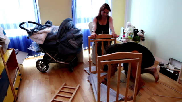 Mounting a crib video