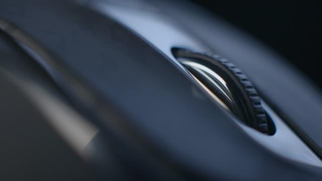mus makro roterande i 4k - wheel black background bildbanksvideor och videomaterial från bakom kulisserna