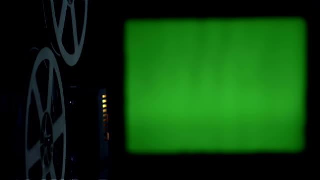 電影放映機綠色屏障 - 投射 個影片檔及 b 捲影像