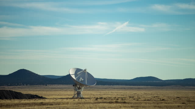 Moving Antenna at the Very Large Array - Time Lapse