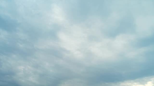 移動雲のタイムラプス - 層積雲点の映像素材/bロール