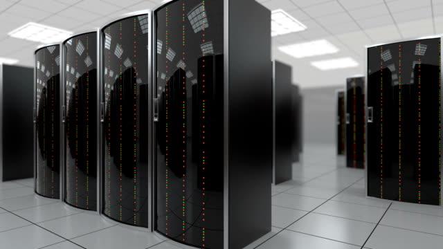 stockvideo's en b-roll-footage met langzaam via serverruimte in datacenter - datacenter