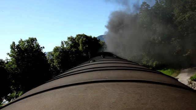 clip hd: treno in movimento - sezione superiore video stock e b–roll